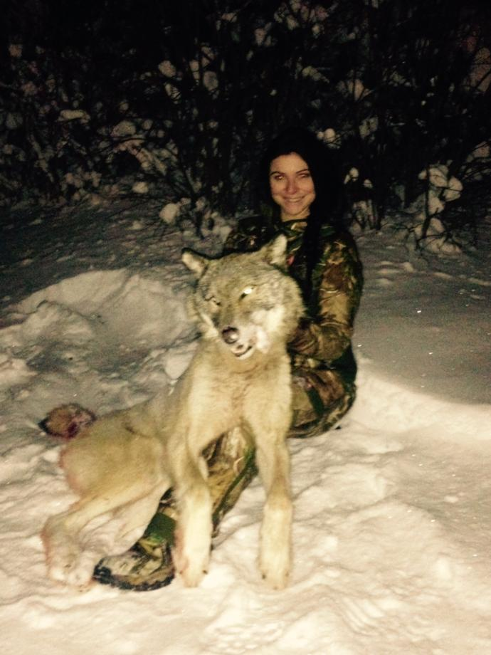 Winter wolf hunting, women in hunting, Rainy Lake Outfitters,