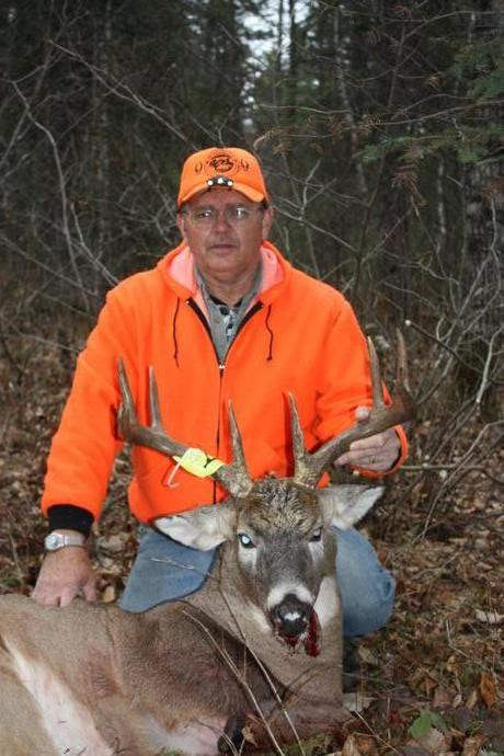 Rainy Lake Outfitters Inc. - Deer Hunts Photo 6